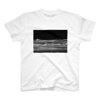 ブレる視線、 T-shirts