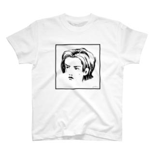 聖 少 年 T-shirts