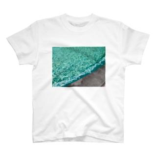 抽象画家ShizukiKagawaのみどりのふんすい T-shirts