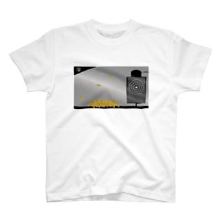 AngeThirdのバレットターゲット【薬莢】 T-shirts