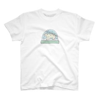 シロクマスノードーム T-shirts