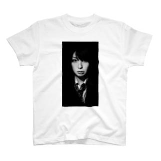 ミンカ・リー SUZURI店のだれこの人??イケメンミンカ T-shirts