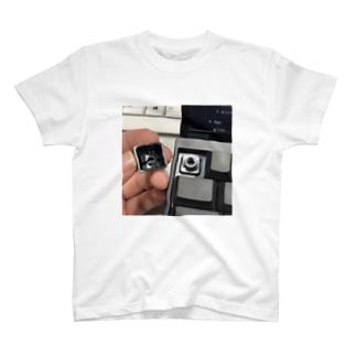 Escに逃げられたあの日(Ver.スクウェア) T-shirts