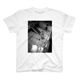 ロビー T-shirts