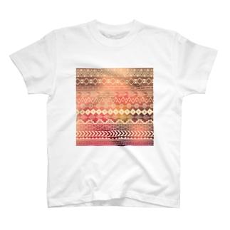 ネイティブ柄B T-shirts