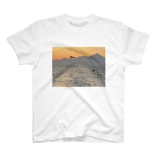 フライング シーガル T-shirts