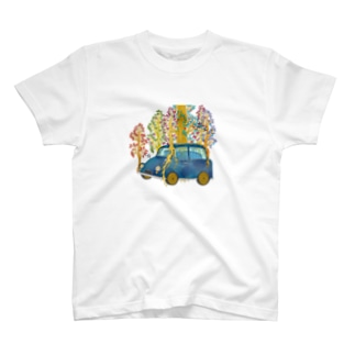 apple tree growing on the car T-Shirt