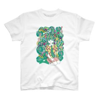 メドゥーサの少女 T-shirts