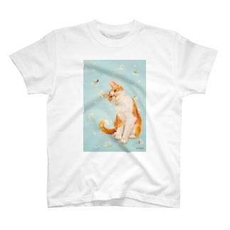 おちょぴのてんとう虫と茶白猫 T-Shirt