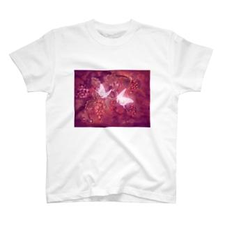 葡萄と蝶 ワイン T-shirts