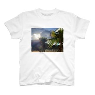 日暮れ T-shirts