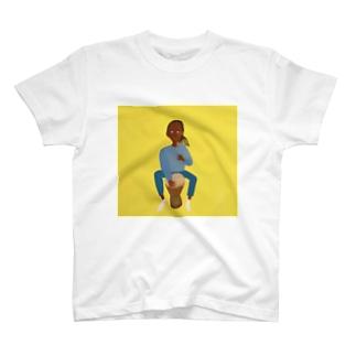 ジャンベを愛する男 T-shirts