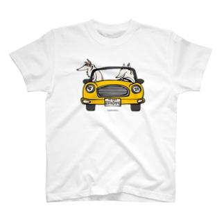 ボルゾイ ドライブ 黄色い車 T-shirts
