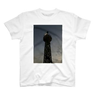 埠頭 F T-shirts