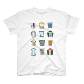 窓 まど mado T-shirts