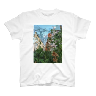 朽ちる T-shirts