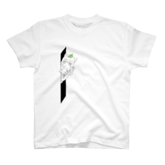 ひょっこりたぬきさん T-shirts