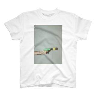 嫁の手 T-shirts