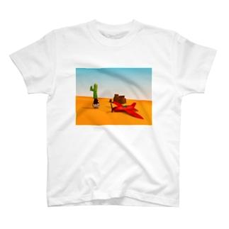 不時着飛行機byニットねこ T-shirts
