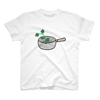 なべin葉っぱ T-shirts