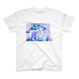もももも桃もももももものてきとうたべたべちゃん T-Shirt