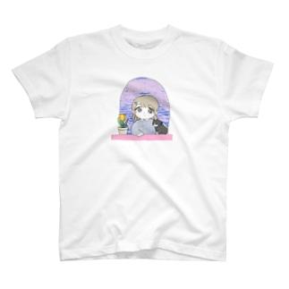102号室(春) 女の子とねことチューリップ T-shirts