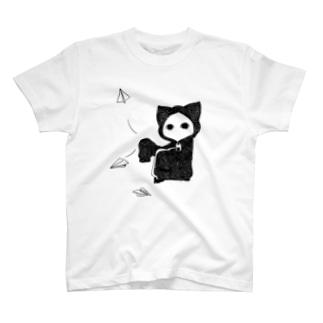 紙飛行機キズねこ T-shirts