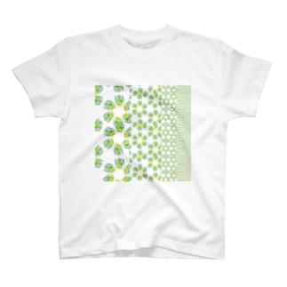 ムキムキムシ模様 T-shirts