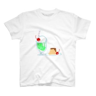 喫茶店のメロンソーダとプリン T-Shirt