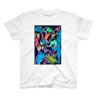 手に宿る狼 The wolf in my hand T-Shirt