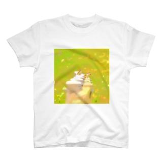 スズメの群れ T-shirts