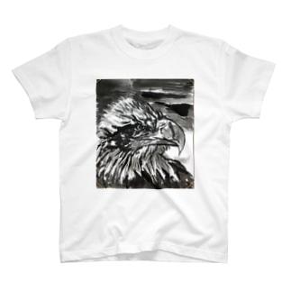 天空を司る鳥の王者【鷲】 T-shirts