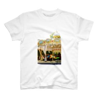 回転木馬 T-shirts