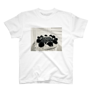 Fore noir cakes T-shirts