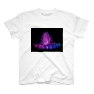 噴水 T-shirts