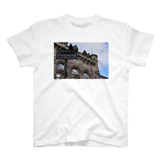🚢スコットランドの街並み T-shirts