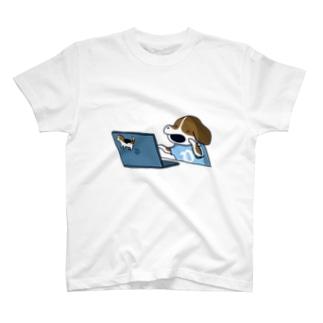 エラー対応犬 T-shirts
