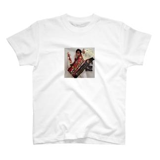 優勝したYes!アキト T-shirts