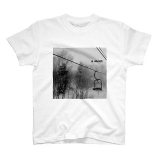 リフト+a skier  T-shirts