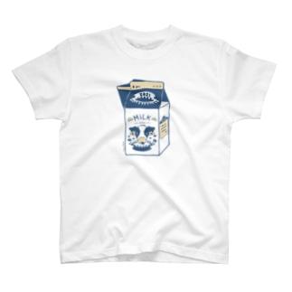 丑年ミルク T-shirts