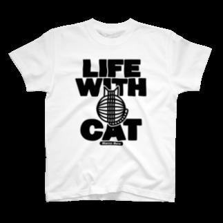 SHOP W SUZURI店のLIFE WITH a CAT Tシャツ Tシャツ