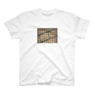 千鳥格子?(柄の名前よく分かりません´・ᴗ・`) T-shirts