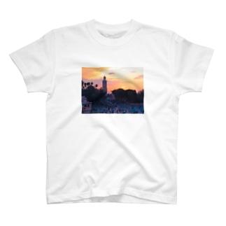 マラケシュの夕刻-モロッコ T-shirts