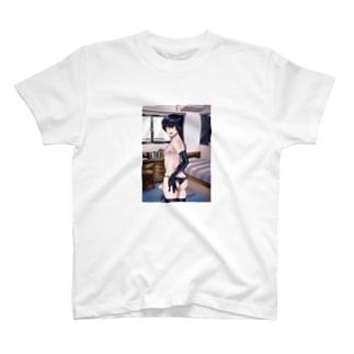 メカクレ同級生 T-shirts