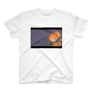 夜空へ旅立つ未確認飛行パンケーキ T-shirts