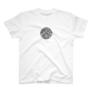 白黒華 T-shirts