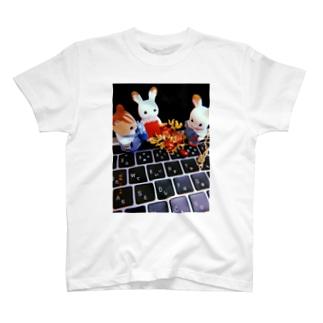 シルバニアファミリーと柘榴 T-shirts