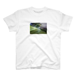 テムズ川(ロンドン・イギリス) T-shirts