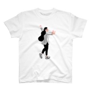 髪の長い女の子 T-shirts