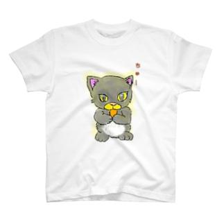 全力でちゅーするネコ T-shirts